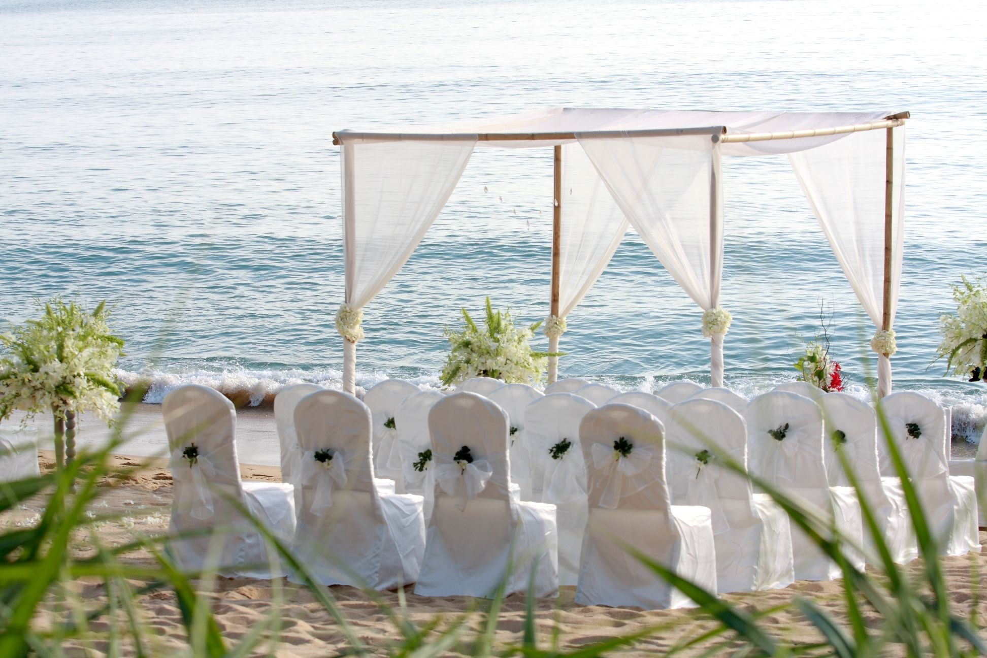 Planning A Beach Wedding On A Budget