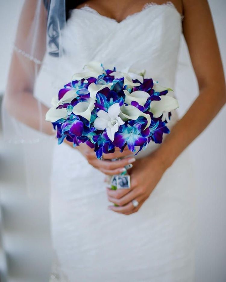 Mix calla lilies with blue and purple dendrobium orchids ...