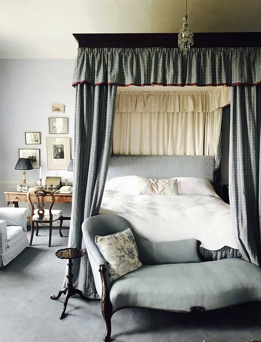 Gallery Glin Castle French country bedrooms, Bedroom