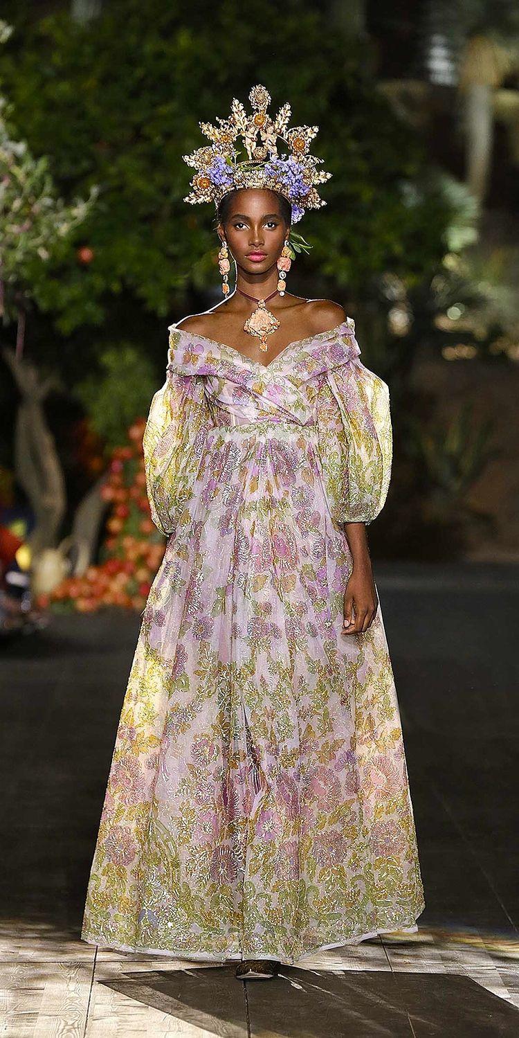 Dolce   Gabbana s Midsummer Night s Dream  Alta Moda Autumn Winter ... 6db1aa66da0