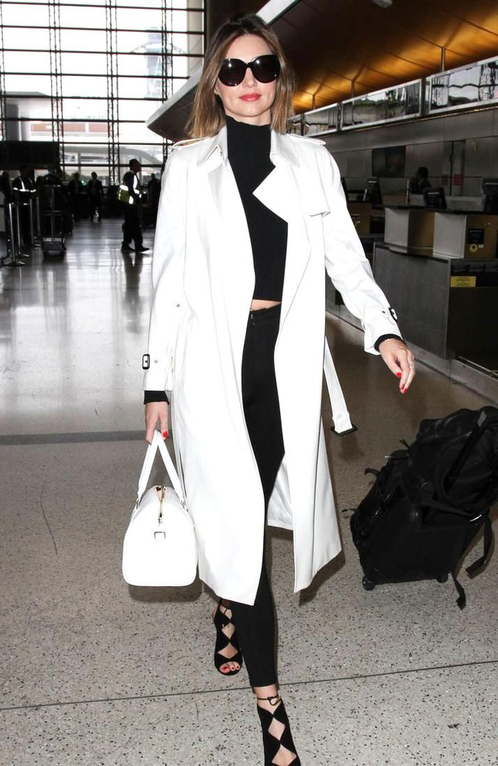 100 Celebrity Airport Fashion Looks - How Celebs Travel in Style
