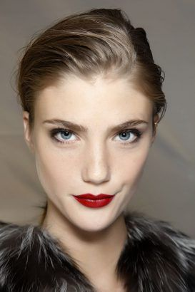 15 Ways to wear dark #lipstick during the day.