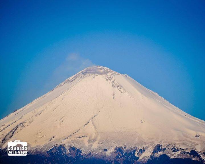 Buenos días Popocatépetl de marzo... #Puebla #cholula #popocatepetl #igers #igersmexico #ig_mexico #igerspuebla http://ift.tt/1ThEmot