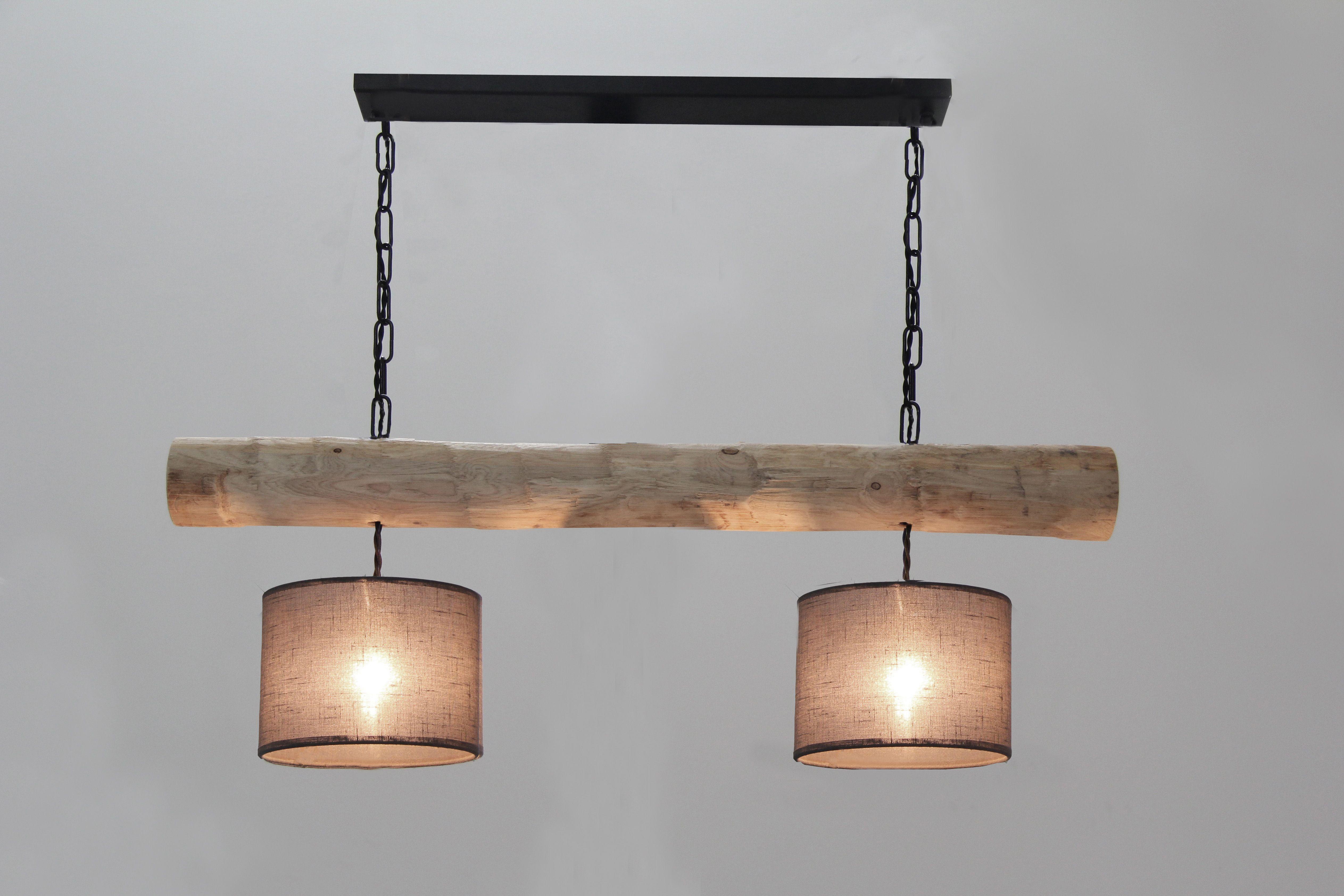 Pendelleuchte Mit Rustikalem Holzstamm 2 Lampenschirme Www Holz Lampen Com Holzstamm Beleuchtung Decke Pendelleuchte
