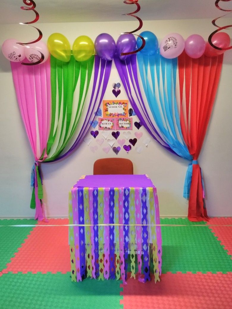 Kur  an  geci toreni school decorations class decoration birthday also simple room for ma homie rh pinterest