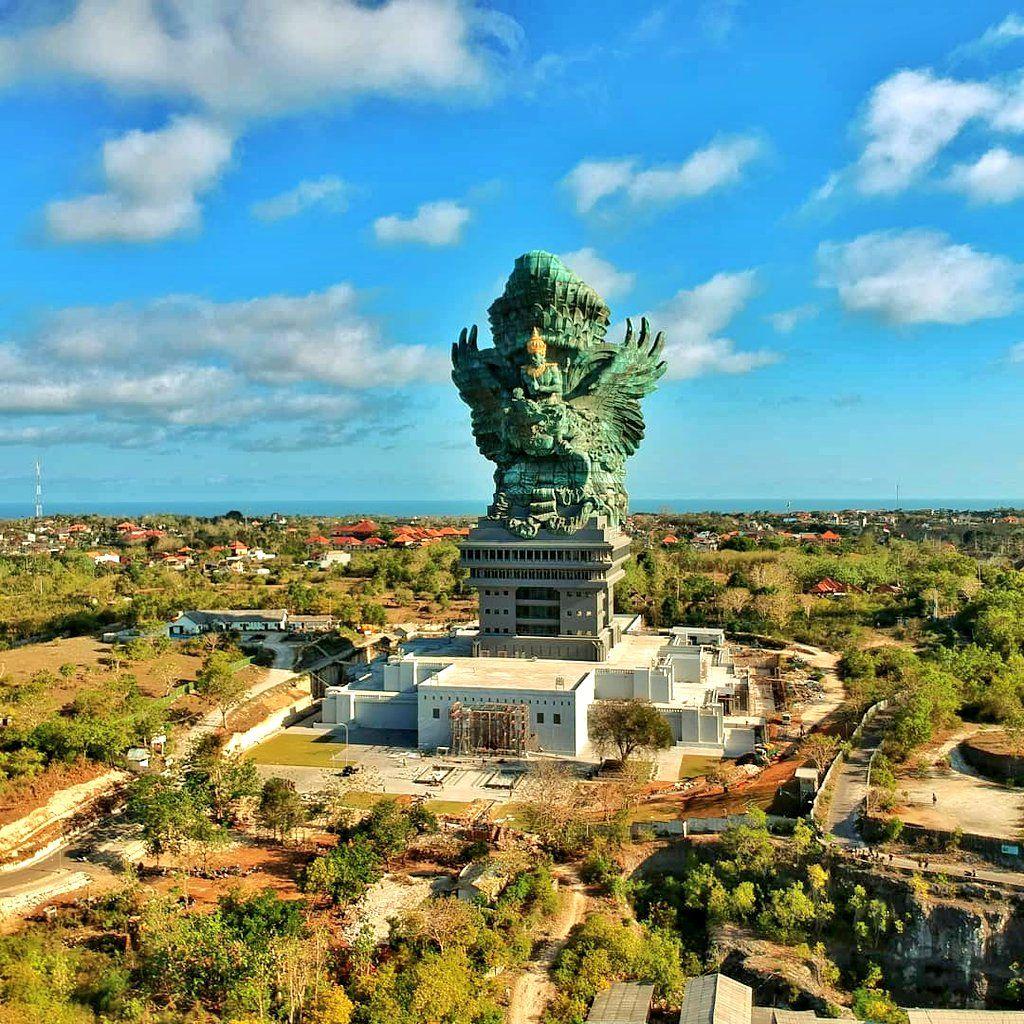 محل سياحة جديد في جزيرة بالي اندونيسيا اسمها جارودا ويسنو
