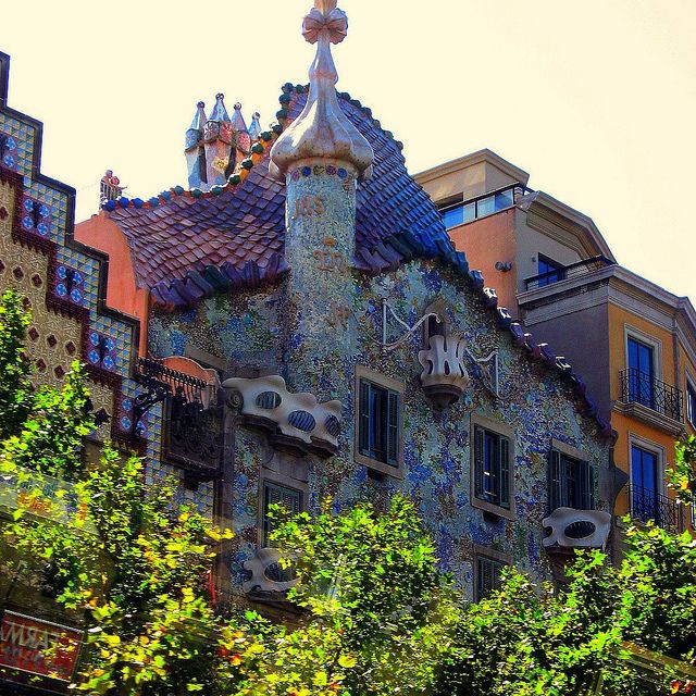 Barcelona Houses: Barcelona Spain Dragon House By Gaudi