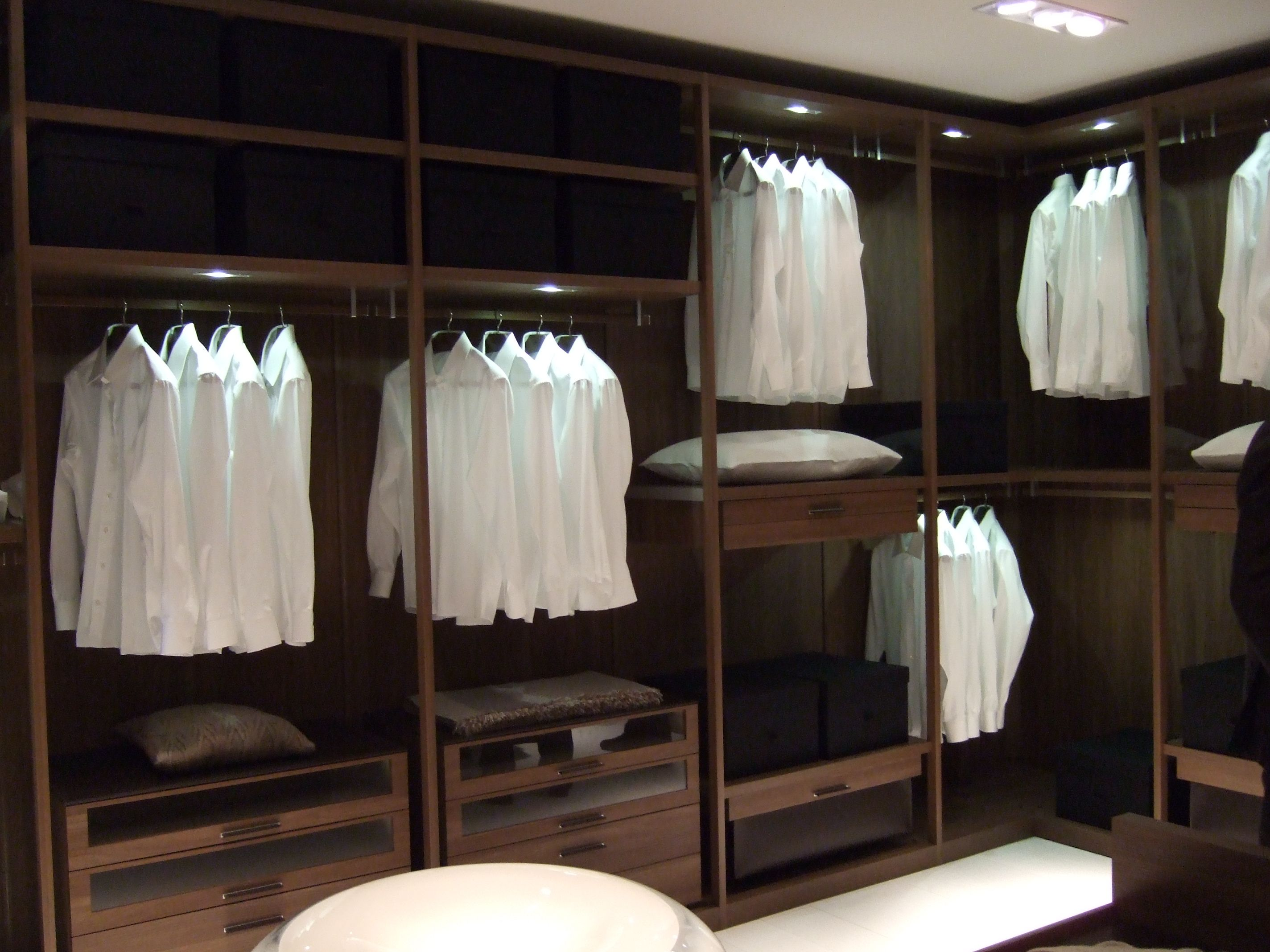 Ideas de decoracion de vestidor estilo contemporaneo for Decoracion estilo contemporaneo