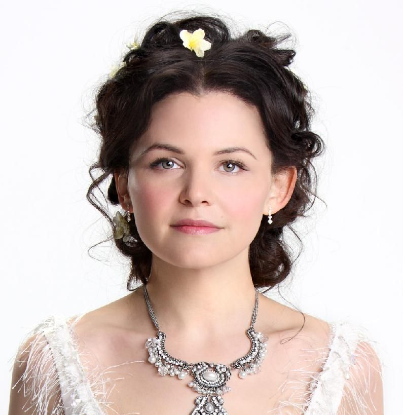 Snow White S Updo Hair Styles Once Upon A Time Wedding Hairstyles