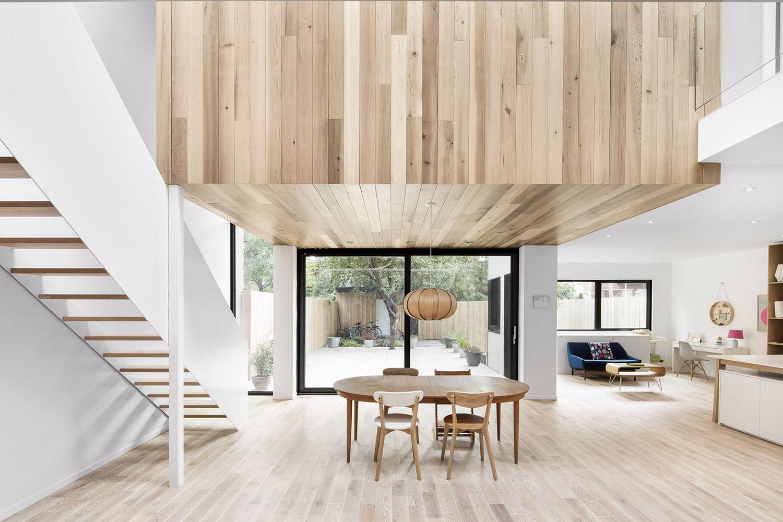 Maison rénovée avec un intérieur minimaliste | Pinterest | Intérieur ...