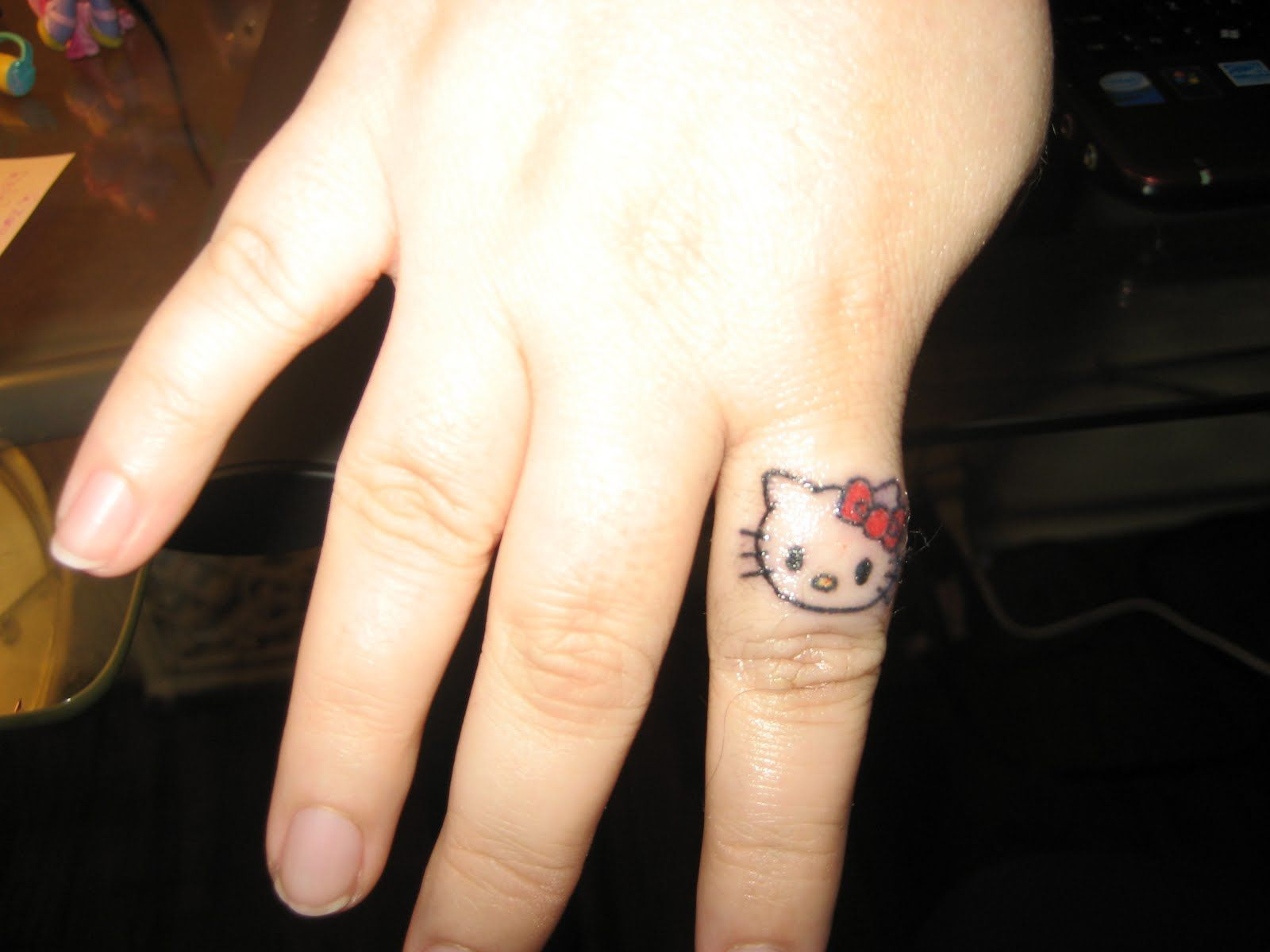 25 Small Tattoo Ideas For Girls Fingers | Small hand tattoos ...