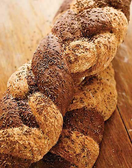 Pumpernickle Braid Artisan Bread in 5 Minutes)