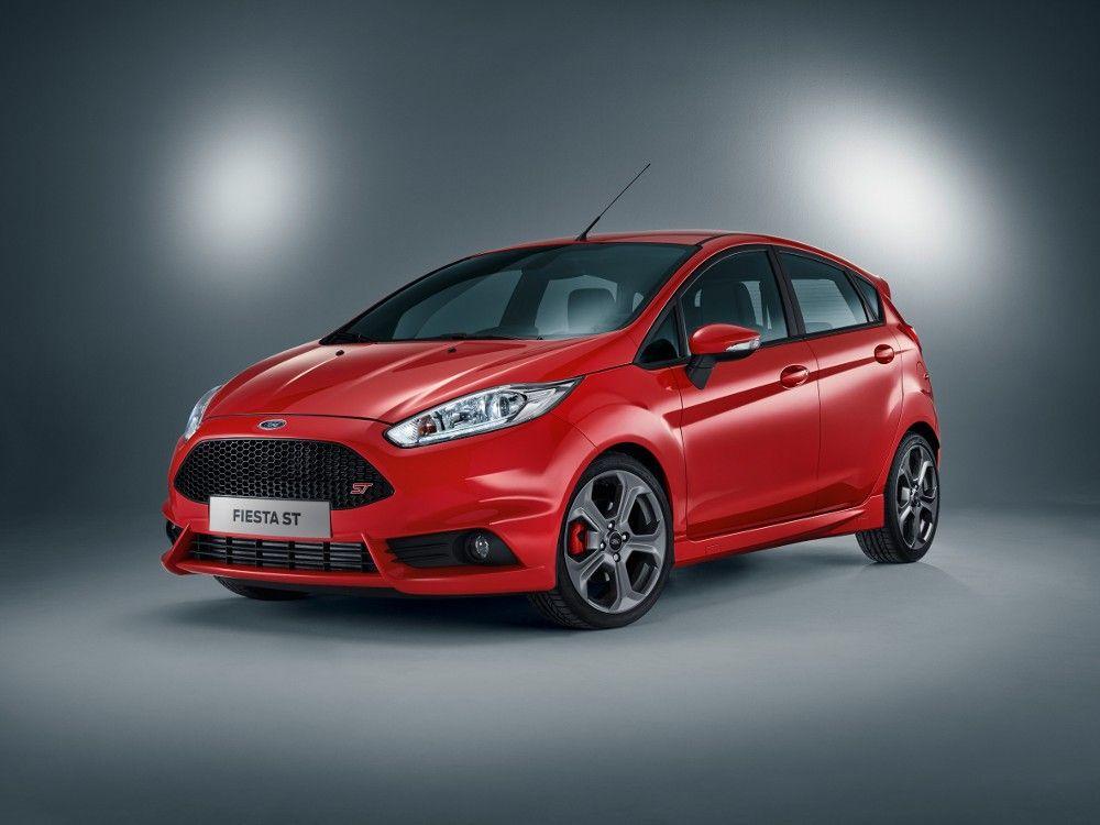 Sportowy miejski Ford Fiesta ST z dodatkową parą drzwi https://www.moj-samochod.pl/Nowosci-motoryzacyjne/Ford-Fiesta-ST-w-nadwoziu-pieciodrzwiowym #Ford #FordFiesta #FordFiestaST #FiestaST #FiestaST5door