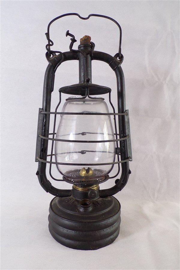 Lampe Tempete Vintage A Petrole De Marque La Bon Jour Metal Et Verre Bruleur Laiton Deco Vintage Retro Campagne Vintage Fra Old Lanterns Oil Lamps Novelty Lamp