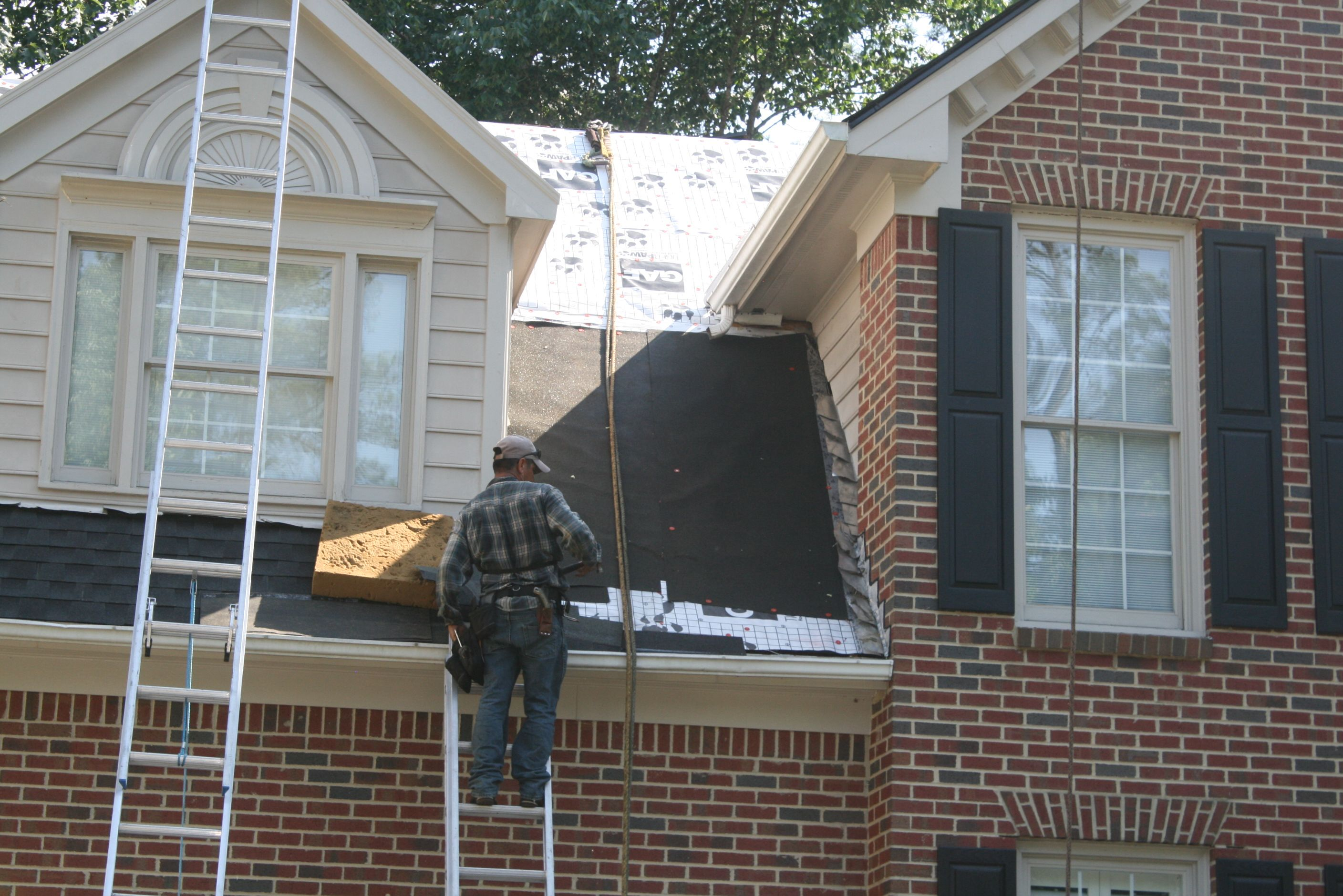 Ice And Water Shield Installed Along All Warm Walls As Part Of The Gaf Golden Pledge Warranty Requirements Architectural Shingles Residential Roofing Roofing