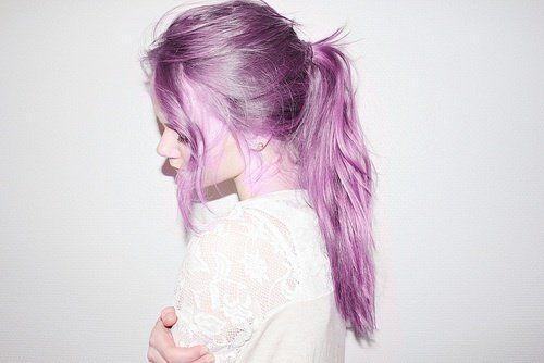 Color púrpura: La última tendencia para teñir tu cabello este otoño. ¡Te encantará! – Alis Rosillo