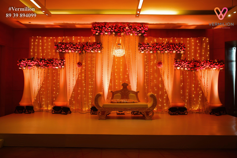 Pin by sharath Kumar on Modern | Indian wedding stage ...