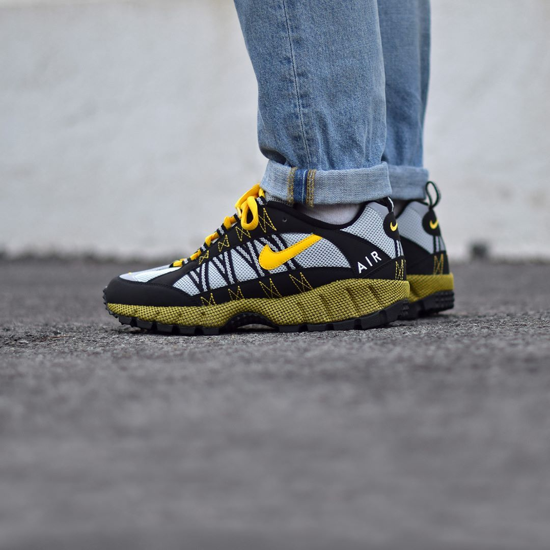 save off 5219a c8a11 Nike Air Humara  17 QS Black Varsity Maize . Launch 01.12 on SNKRS.COM