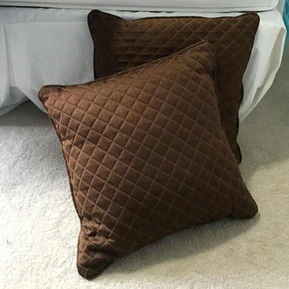 "Set of brown pillows! *can be sold separately*       Perfect condition!          Length/Width- 16""     (Square pillow) Other"