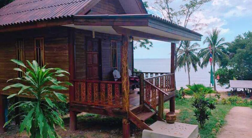Booking.com: Coral Bay Resort , Ko Jum, Thailand  - 119 Guest reviews . Book your hotel now!