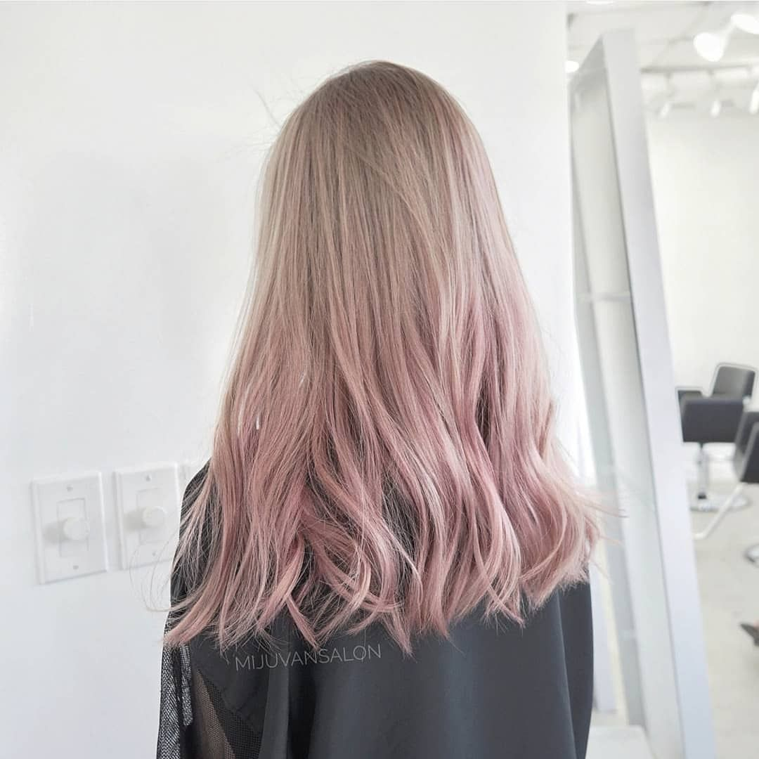 Love The Ombre To Reddish Pink Pink Blonde Hair Beige Hair Pink Hair Highlights