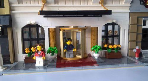 The Plaza Hotel A Lego 174 Creation By Morecity Bricks Mocpages Com Lego Hotel Pinterest