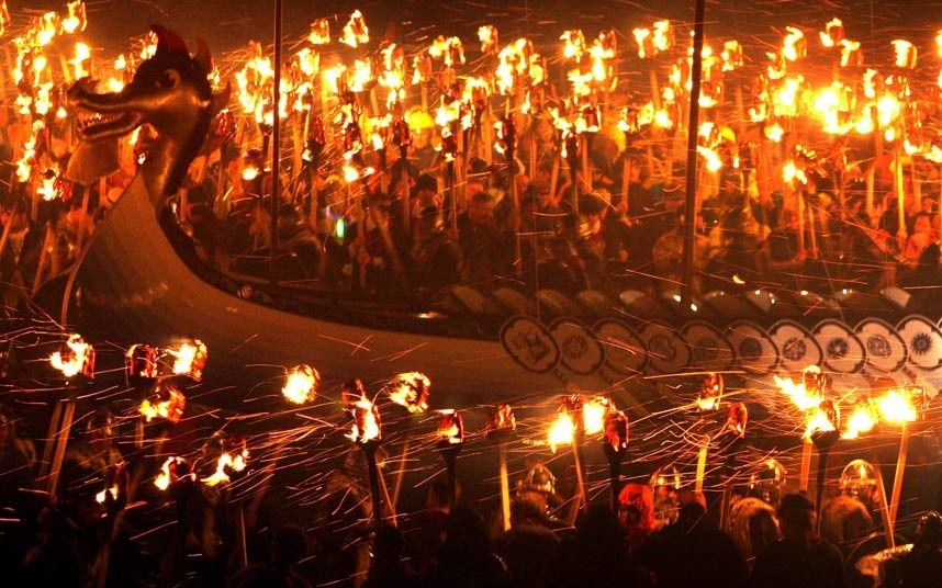 Resultado de imagen de up helly aa fire festival