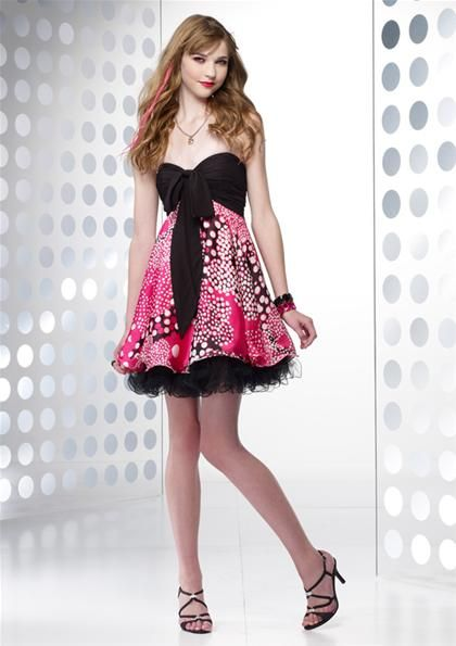 Cute fun bubbly dress for any special occasion Fashion style for short girl