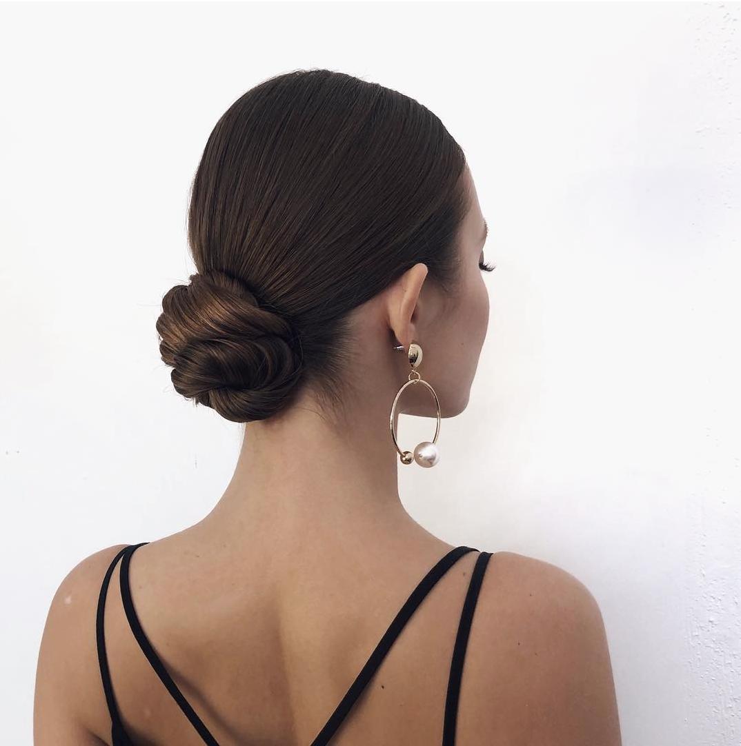 20 Inspiration Low Bun Hairstyles For Wedding 2019 2020: Haarstijl