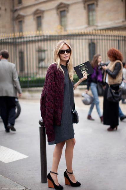 Parisienne: WEDGE SANDALS