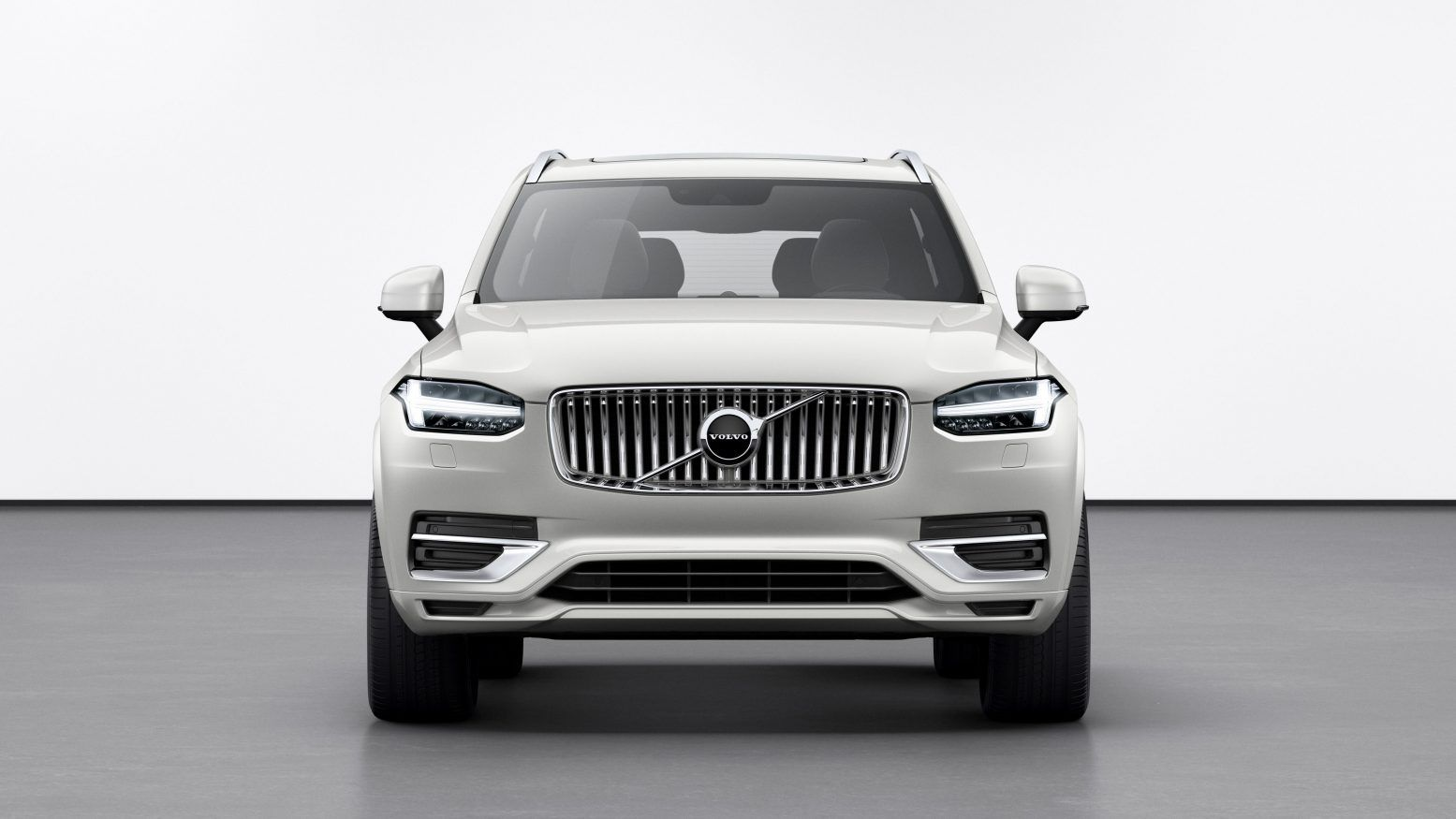 The New 2020 Volvo Xc90 Is The Bellwether Of The Well Known Scandinavian Carmaker This 3 Row High End Suv Features Refined Style And Elegantly Improved Feature