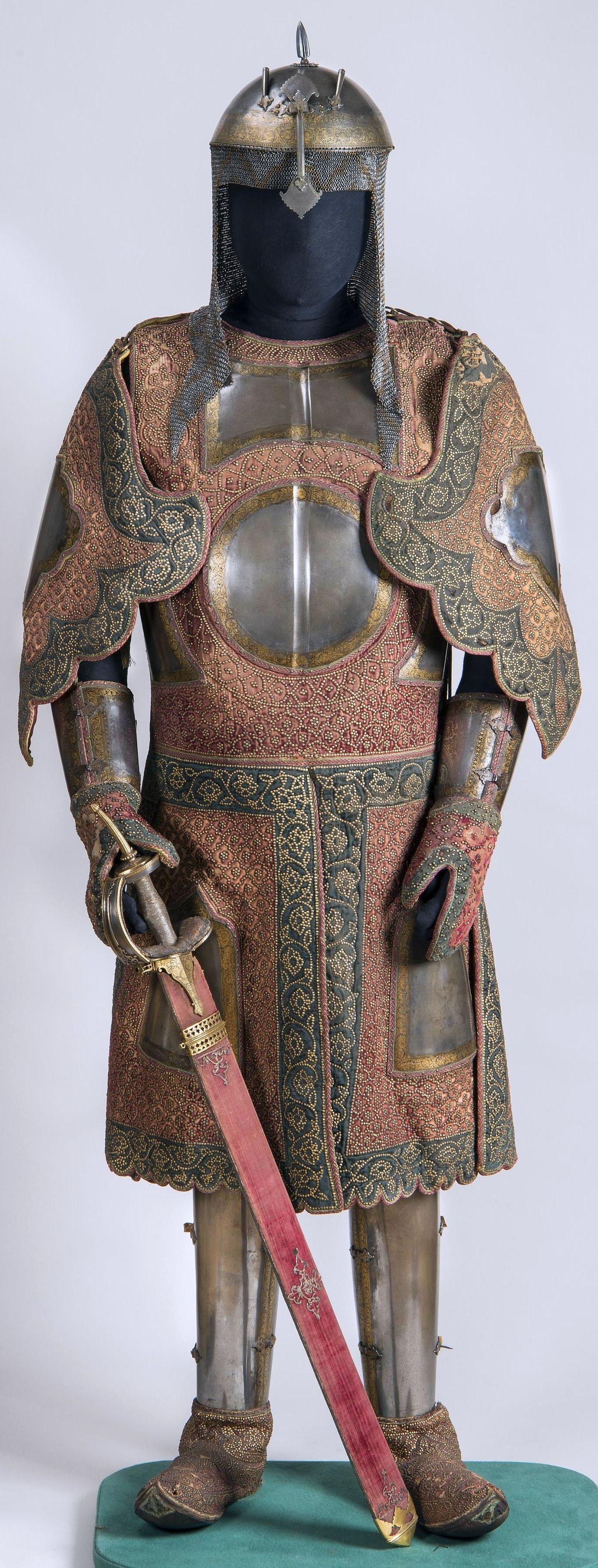 Chilta hazar masha (coat of a thousand nails), kulah khud