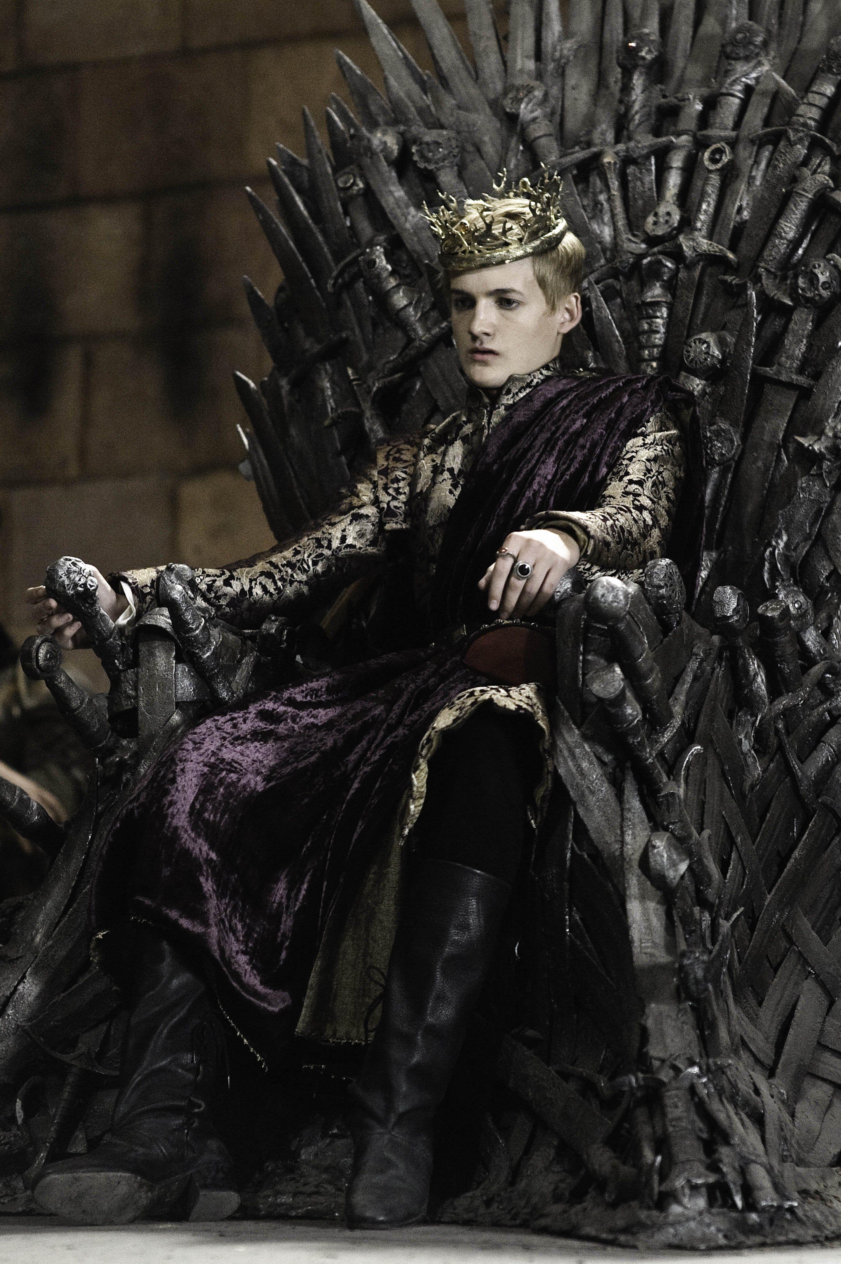 Game of Thrones - Season 2 Episode 4 Still | Joffrey ...