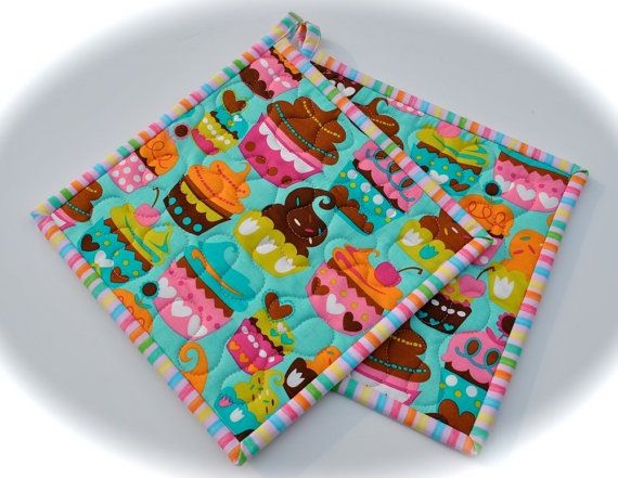 Cupcake Potholders, Quilted Potholders, Fabric Potholders $17.50 http://etsy.me/VEAqNO