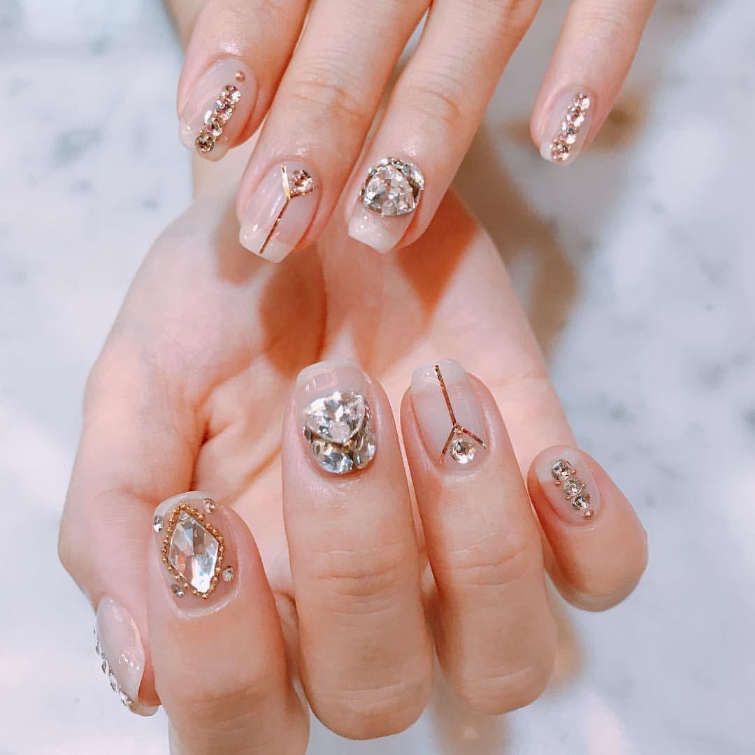 Nails에 있는 Myla G님의 핀 크리스마스 네일 디자인 네일 스타일 젤네일