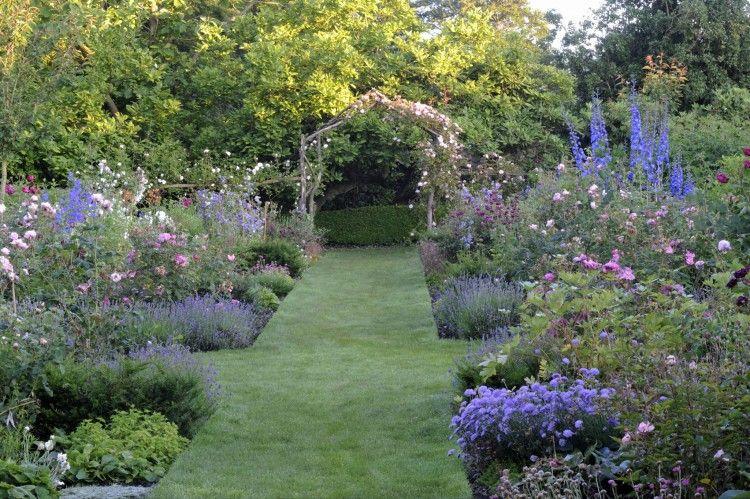 Herbaceous Borders - St Nicholas Gardens, Maison Dieu ...