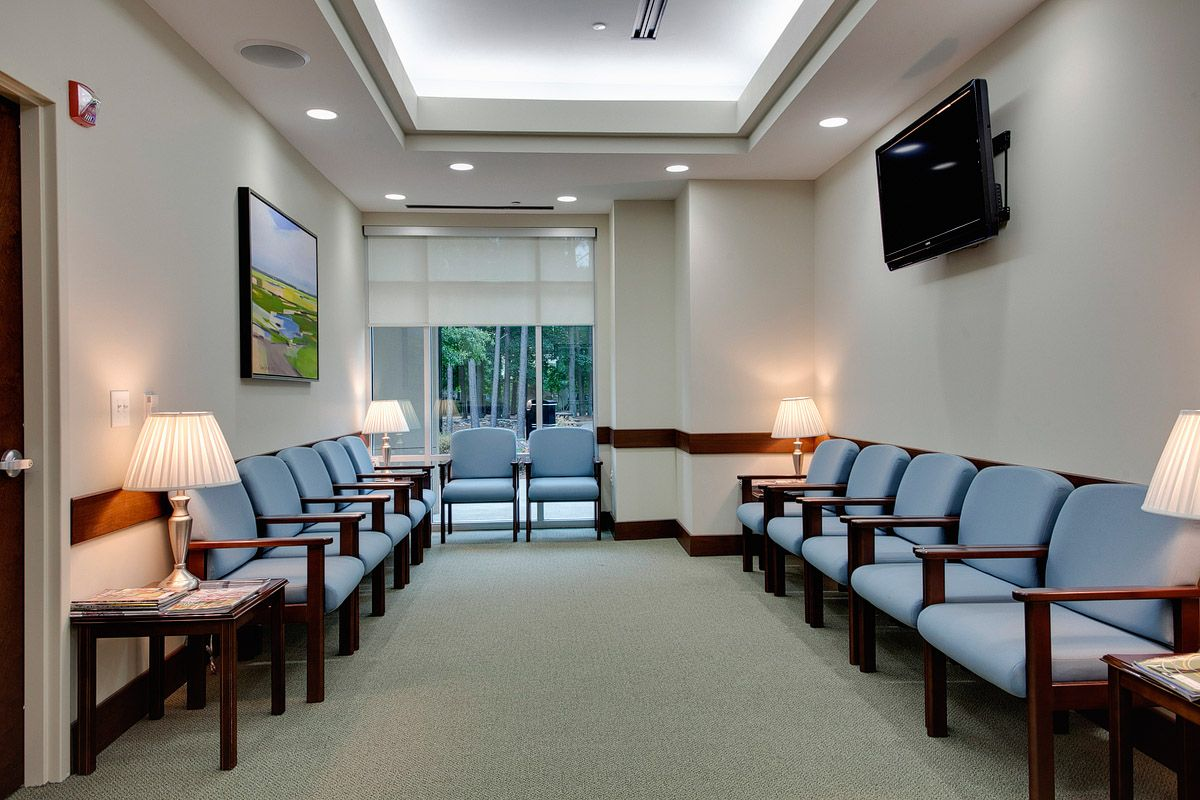 Doctor 39 s office waiting room for Dental office design 1500 square feet