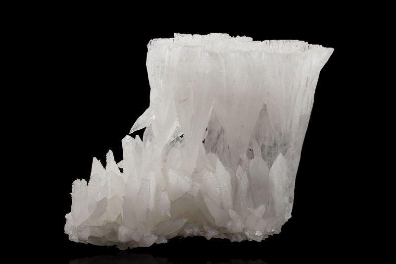 Calcite  Gongcheng, Guilin Prefecture, Guangxi Zhuang Autonomous Region, China 39,0 x 29,0 x 28,0 cm