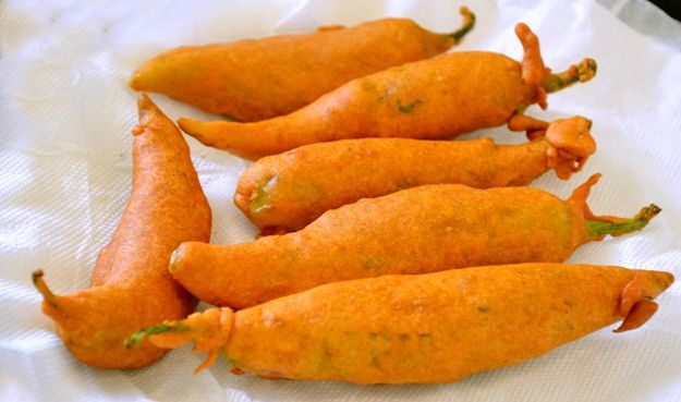 These indian winter delicacies are must haves food items food mirchi bajji best winter delcacies in india forumfinder Images