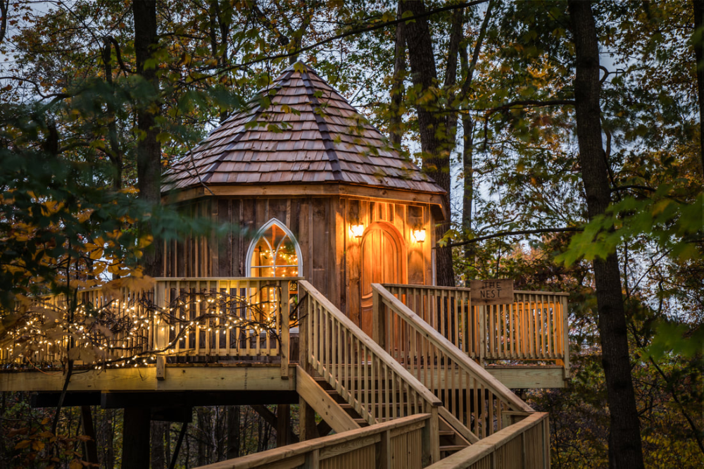 The Mohicans The Grand Barn Wedding Center Treehouses For Rent Usually A Wedding Venue But Dates 1 In 2020 Tree House Designs Rustic Barn Wedding Barn Wedding Venue