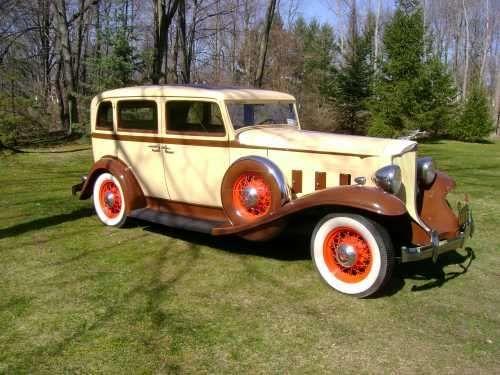 1932 Packard Series 900 Light-Eight Sedan