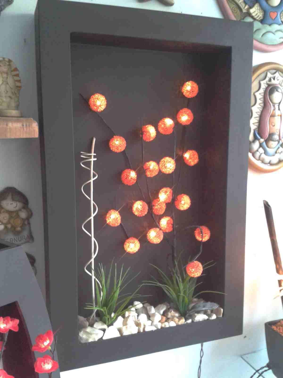 Lampara De Pared Con Esferas De Leds Y Decoracion Con Follaje En Cuadro De Mdf En Color C Decoracion De Pared De Flores Decoracion Con Marcos Florero De Madera