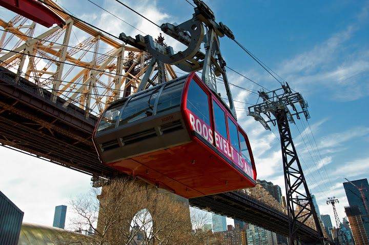 Roosevelt Island Tramway and Ed Koch Queensboro Bridge. New York. Photo by Andy New.