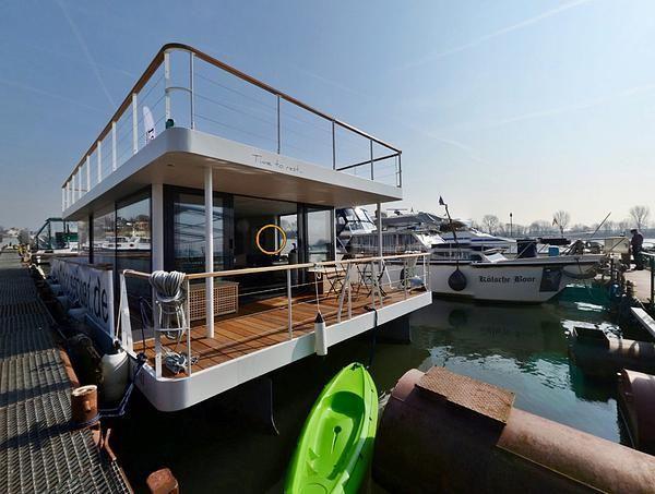 hausboot kaufen oder mieten erf llen sie sich ihren traum hausboot in 2018 pinterest. Black Bedroom Furniture Sets. Home Design Ideas