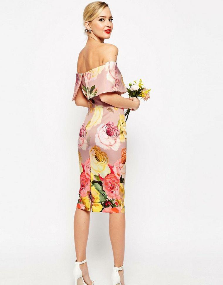 d1377be80c01 Come vestirsi matrimonio mattina con un abito motivi floreali e schiena  scoperta