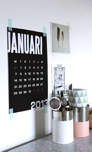 Via MøbelPøbel | Free Printable Graphic Monthly Calendar (In Black, White and Mint) http://miramoln.se/kalenderblad2013?page=downloads#calendar