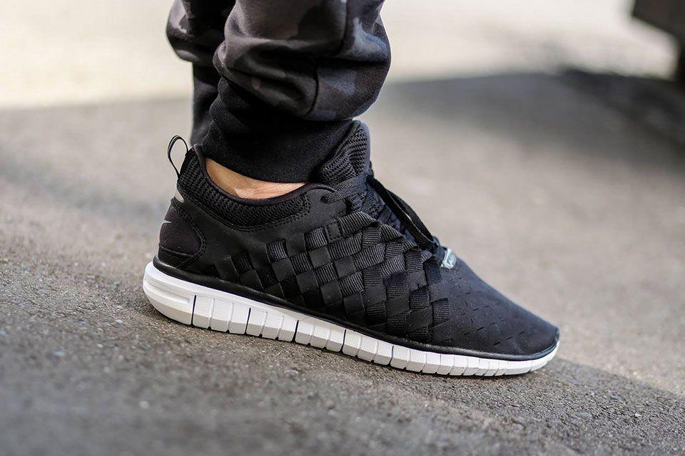 nike woven trainers black