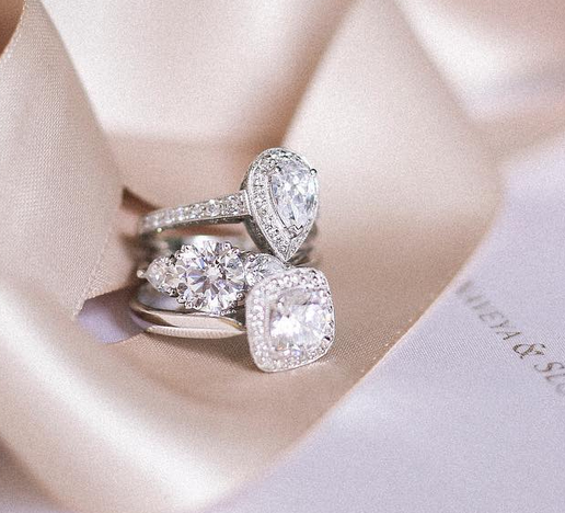 Engagement Rings Auckland: The Signature Collection. Naveya & Sloane Engagement Ring
