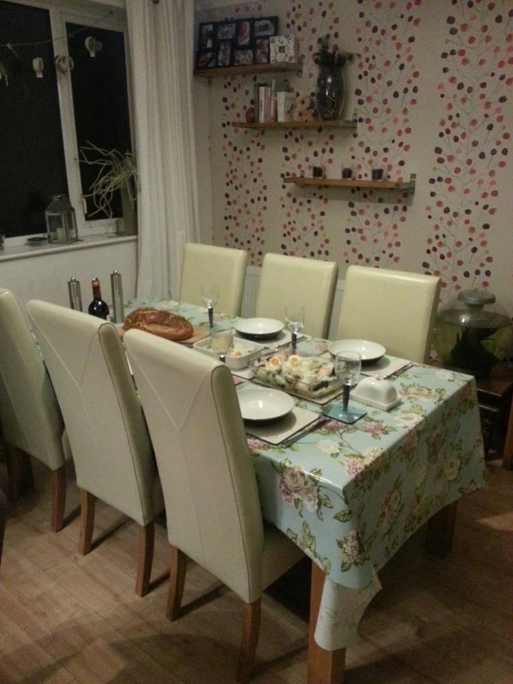 Tree Design Wallpaper Living Room: Home Decor, Dining Table, Tree