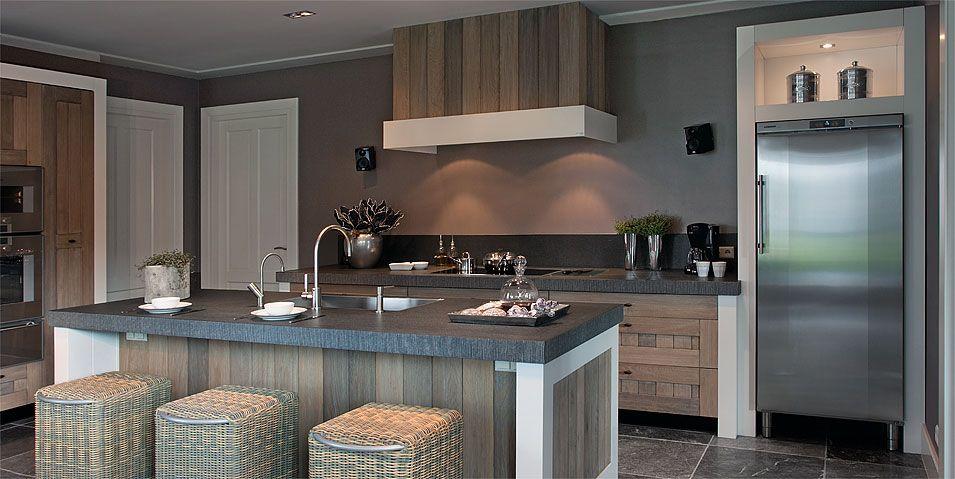 Pin von dani auf la cucina bella pinterest wandfarbe - Wandfarbe bordeaux ...